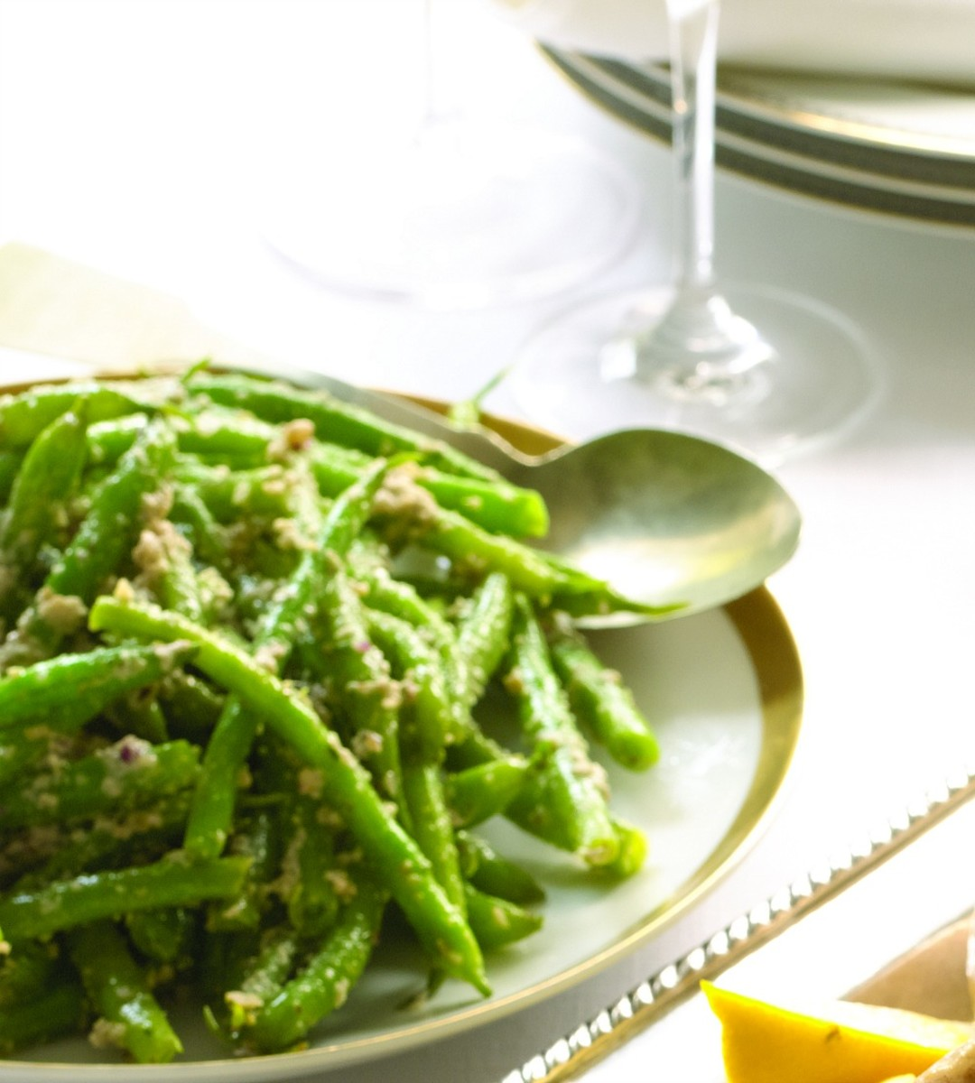 green beans with walnut and olive tapenade