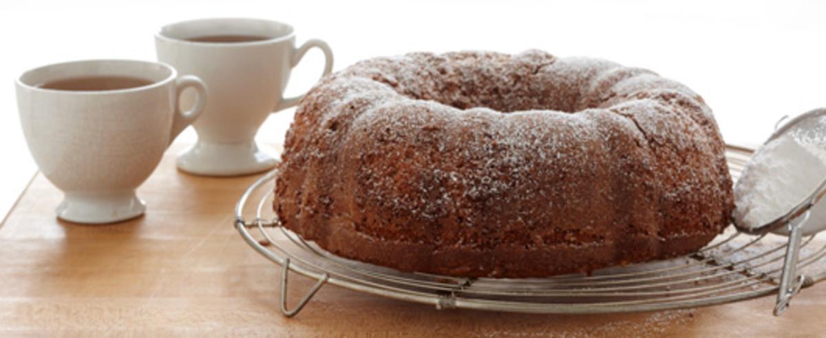 Applesauce Walnut Cake
