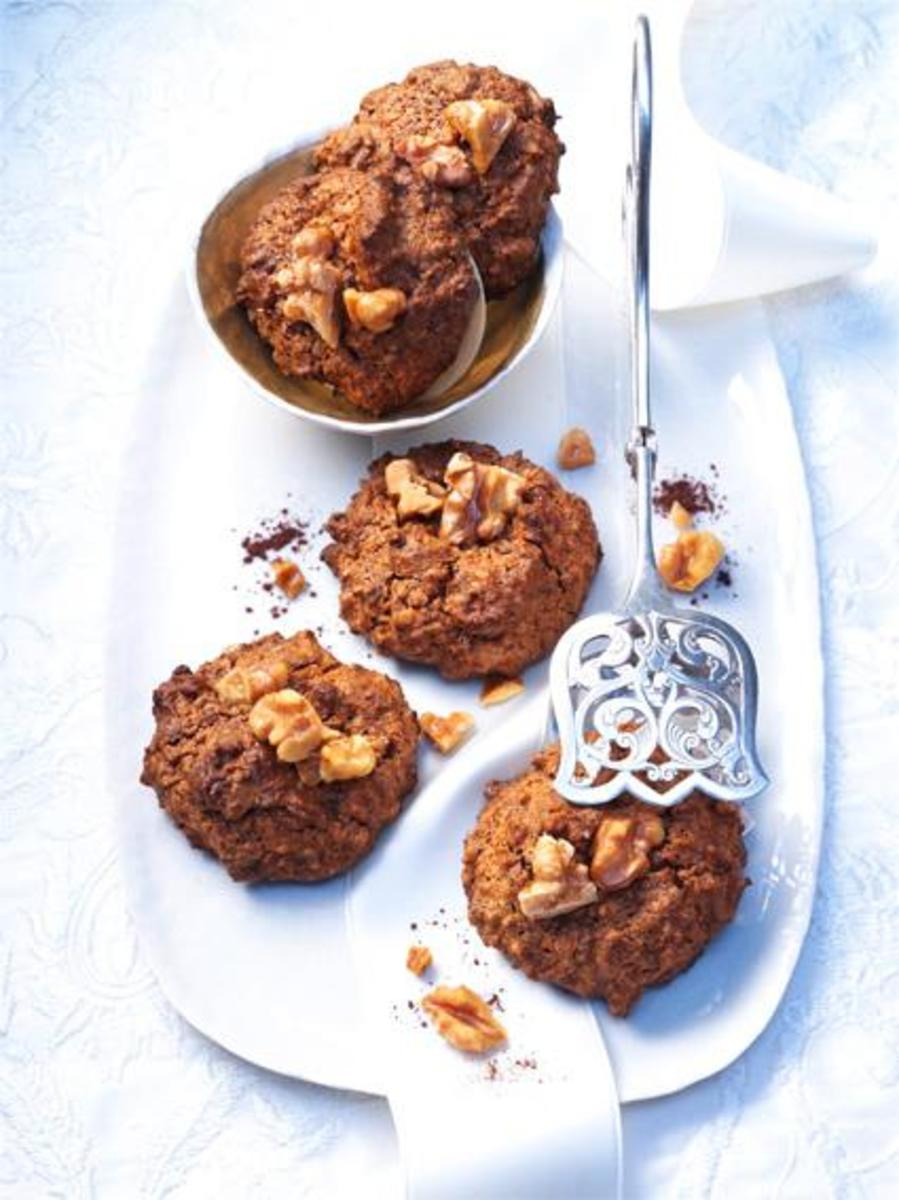 Bittersweet Chocolate Walnut Macaroon Cookies