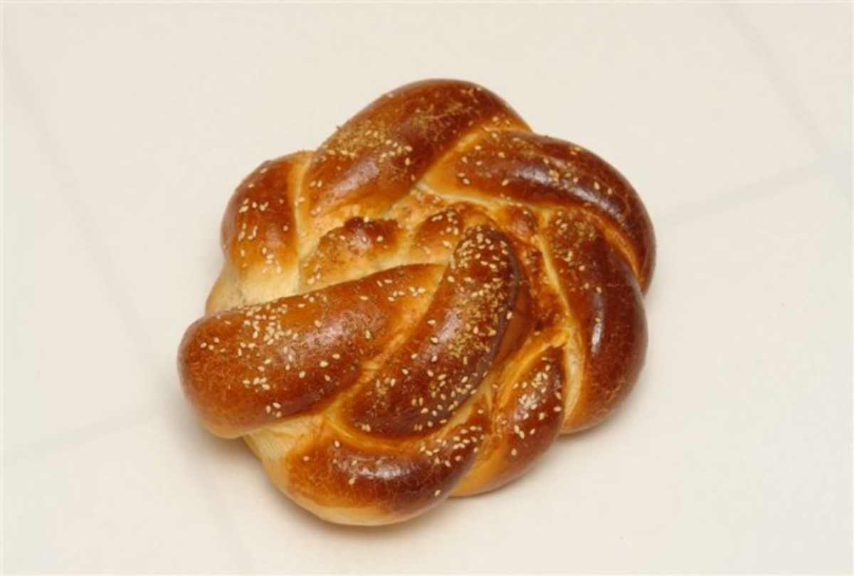 crown challah with sesame