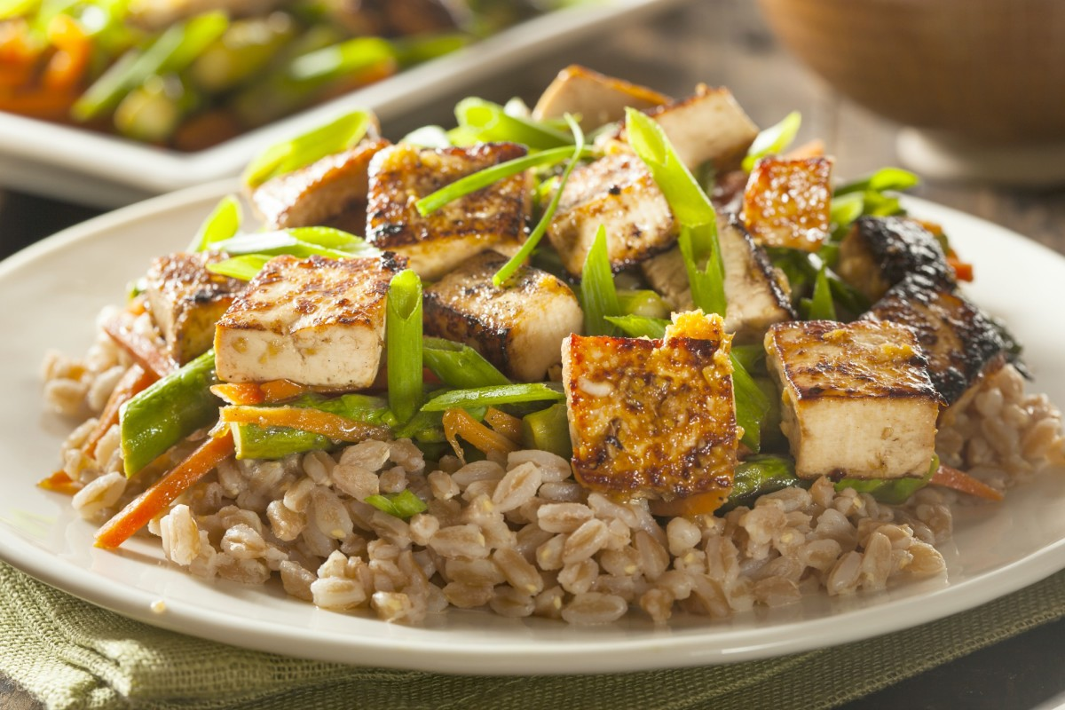 Tofu and Vegetable Stir Fry with Brown Rice