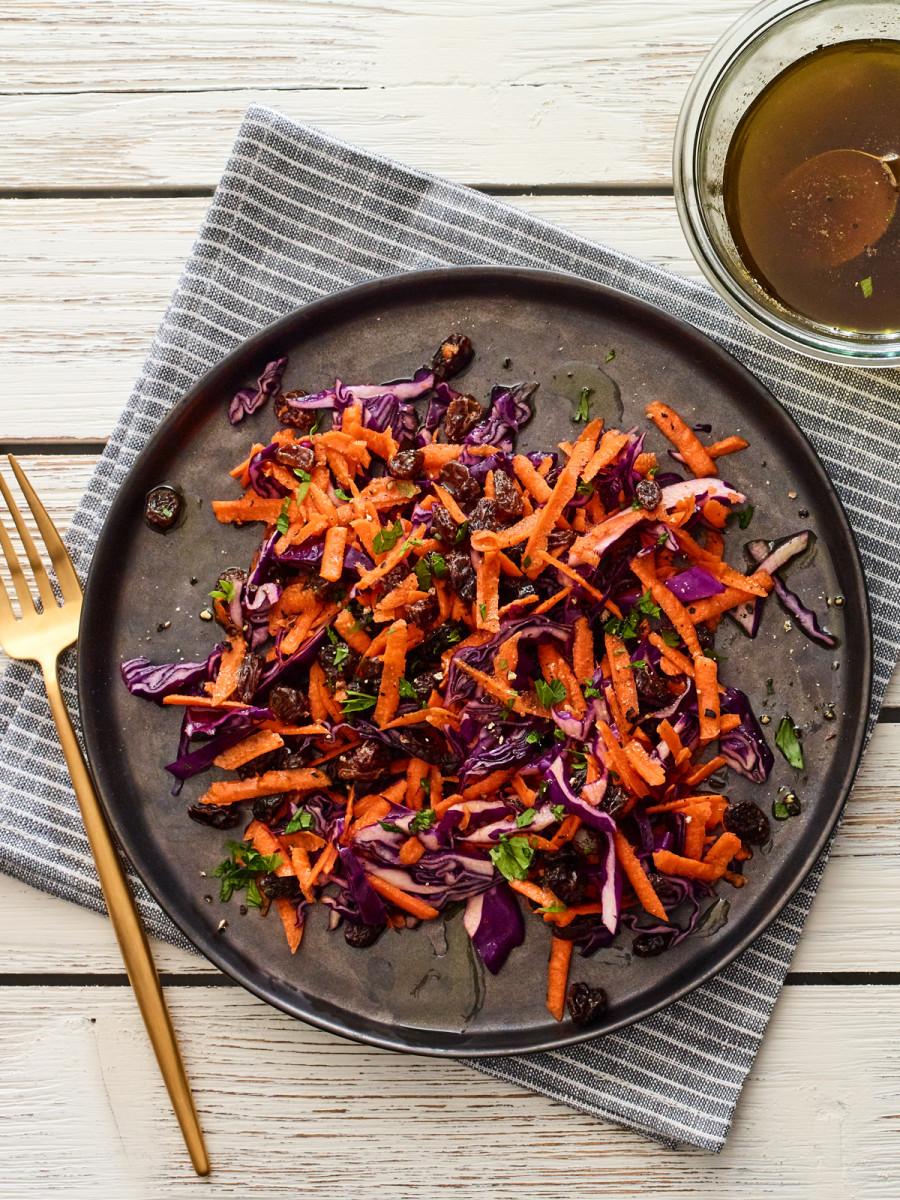 3 ingredient carrot salad vertical
