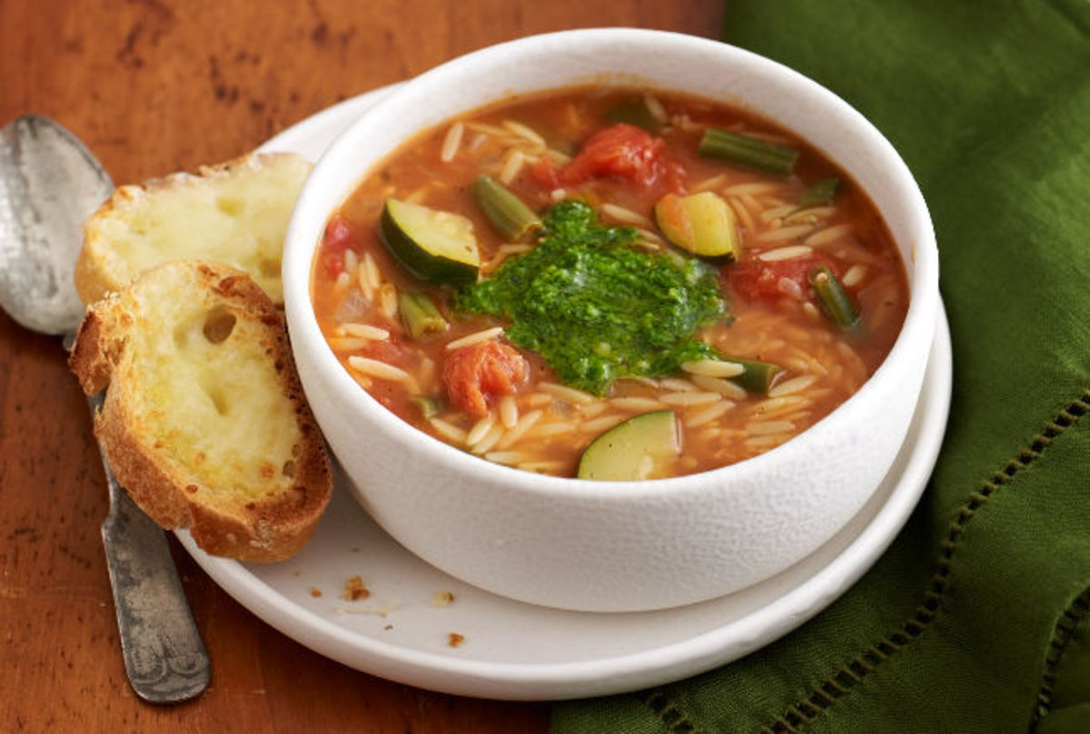 italian-vegetable-soup-with-cheese-bread