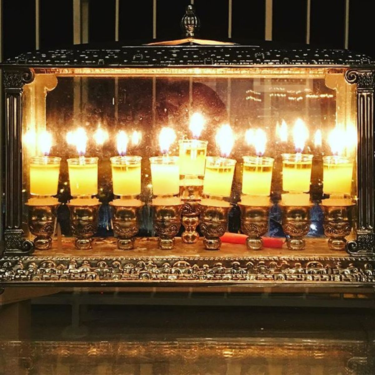 Jamie Geller's outside menorah