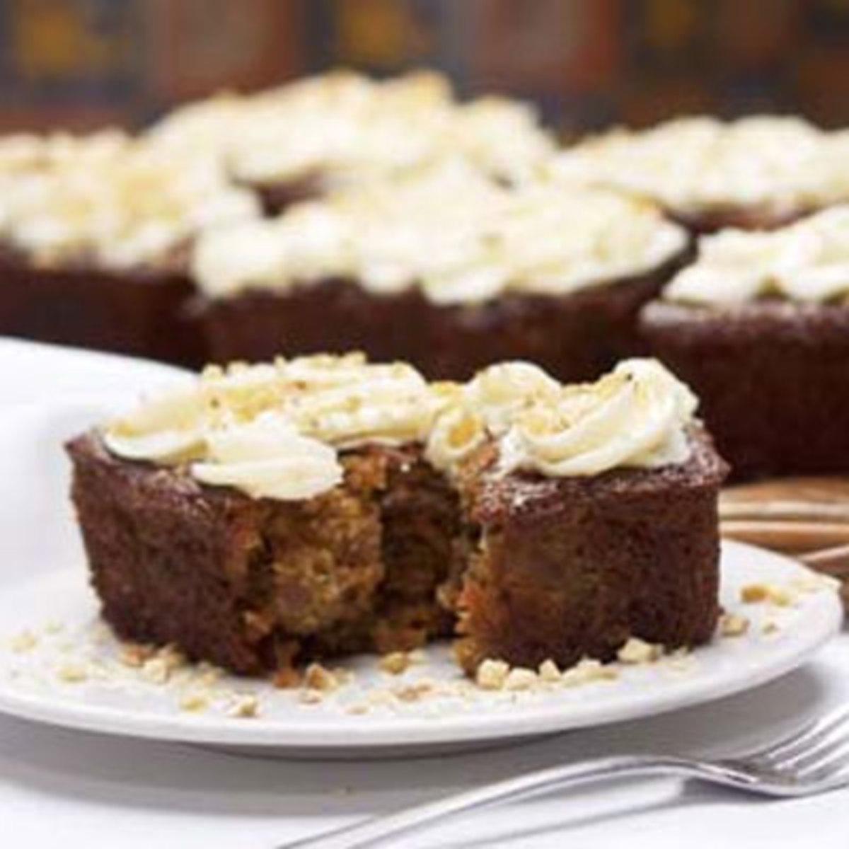 La Brea Carrot-Raisin Baby Cakes