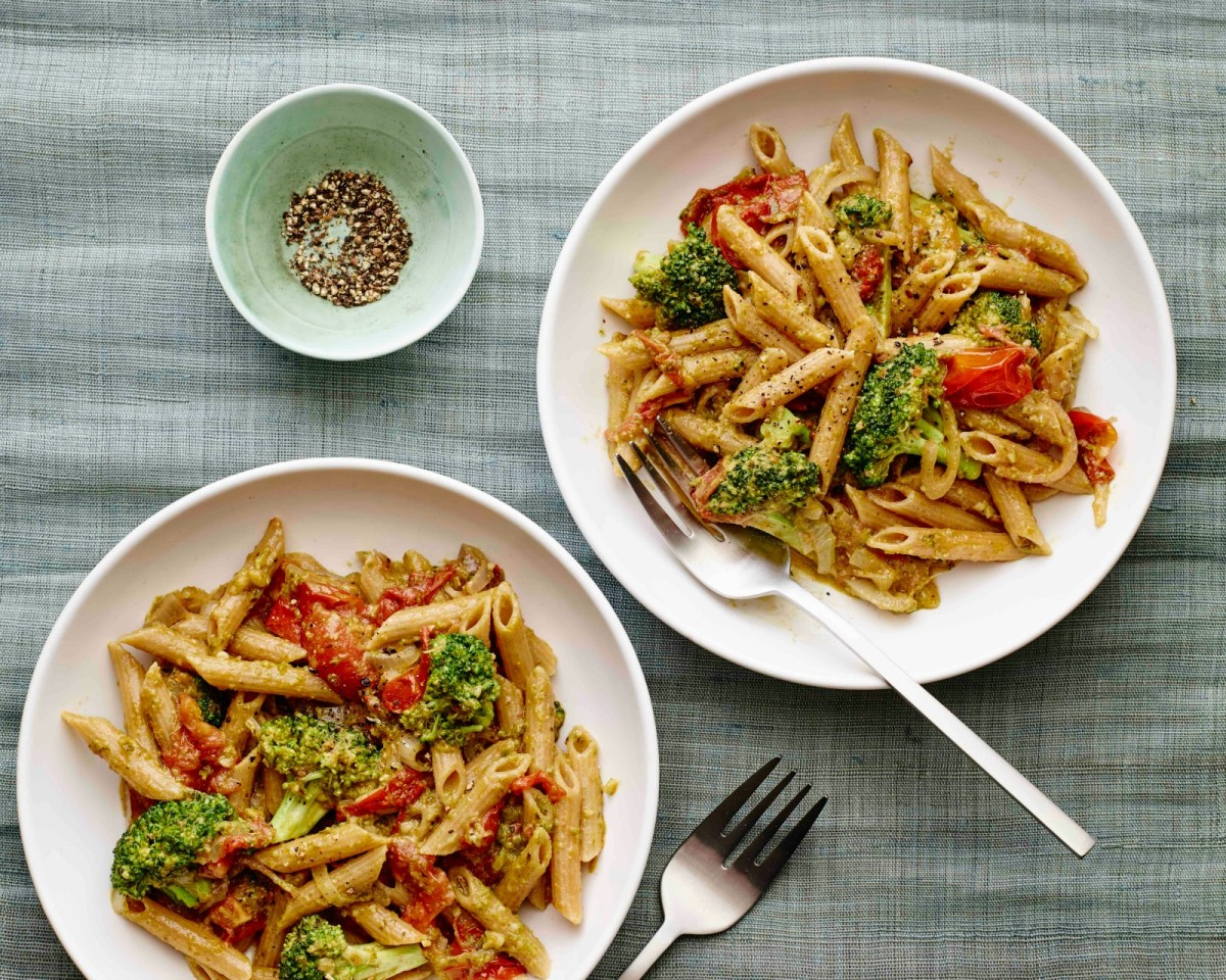 Arugula Walnut Pesto Pasta horizontal