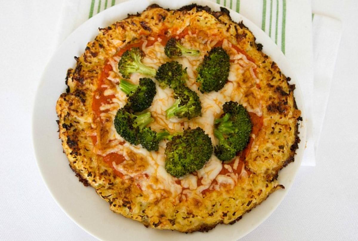 Low Calorie Cauliflower Crust Pizza