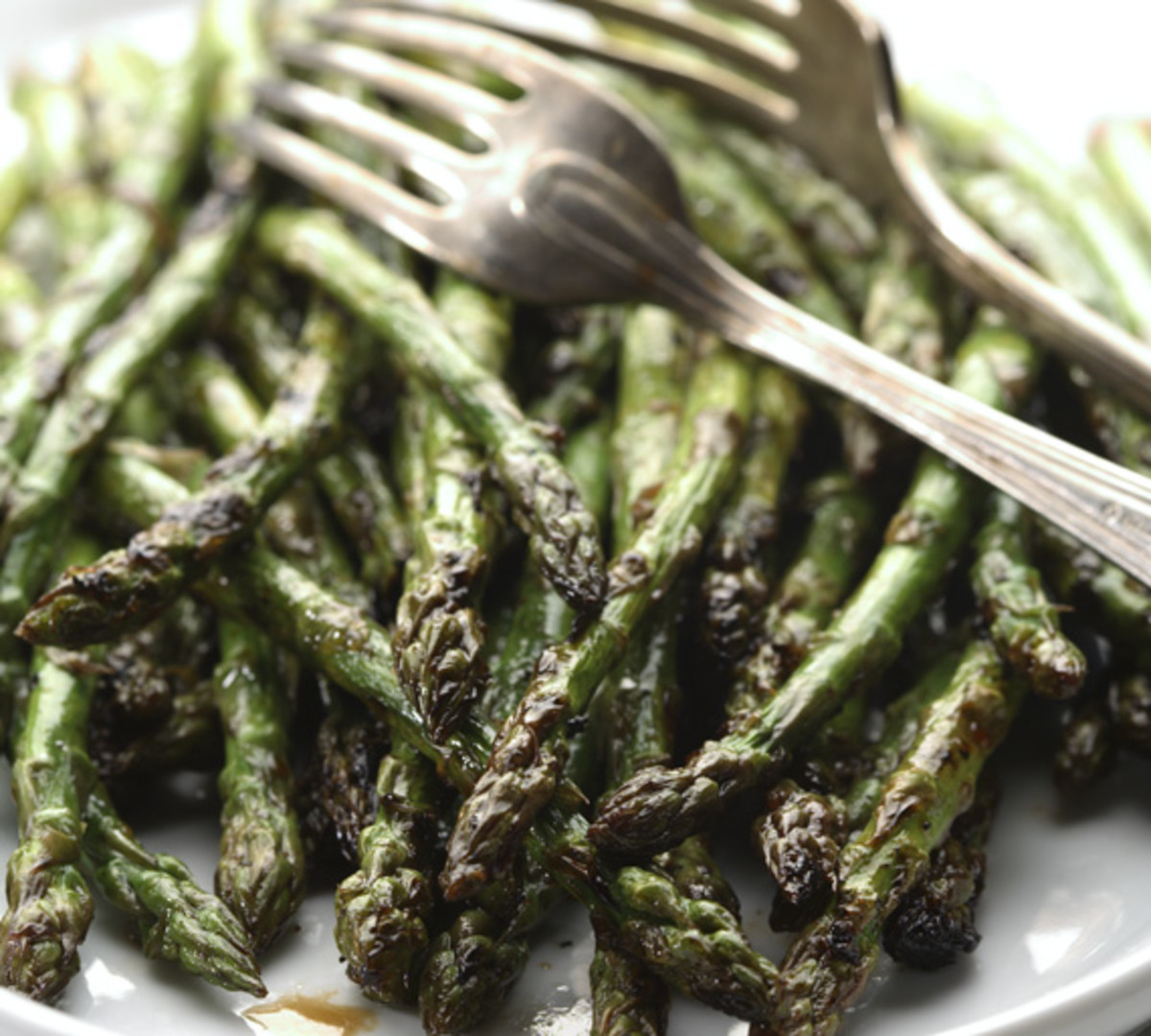 tangy grilled asparagus