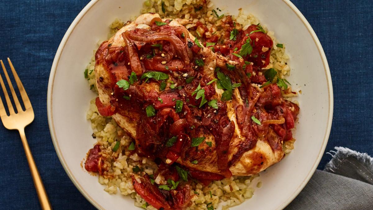 cauliflower rice con pollo