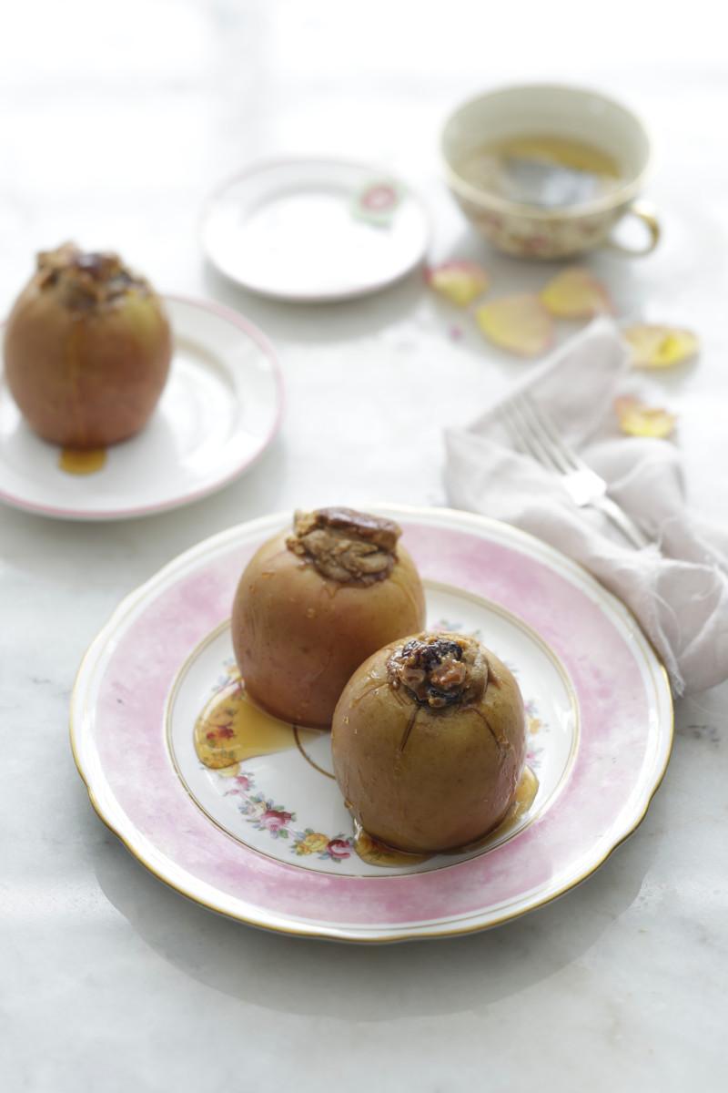 Spiced Stuffed Apples