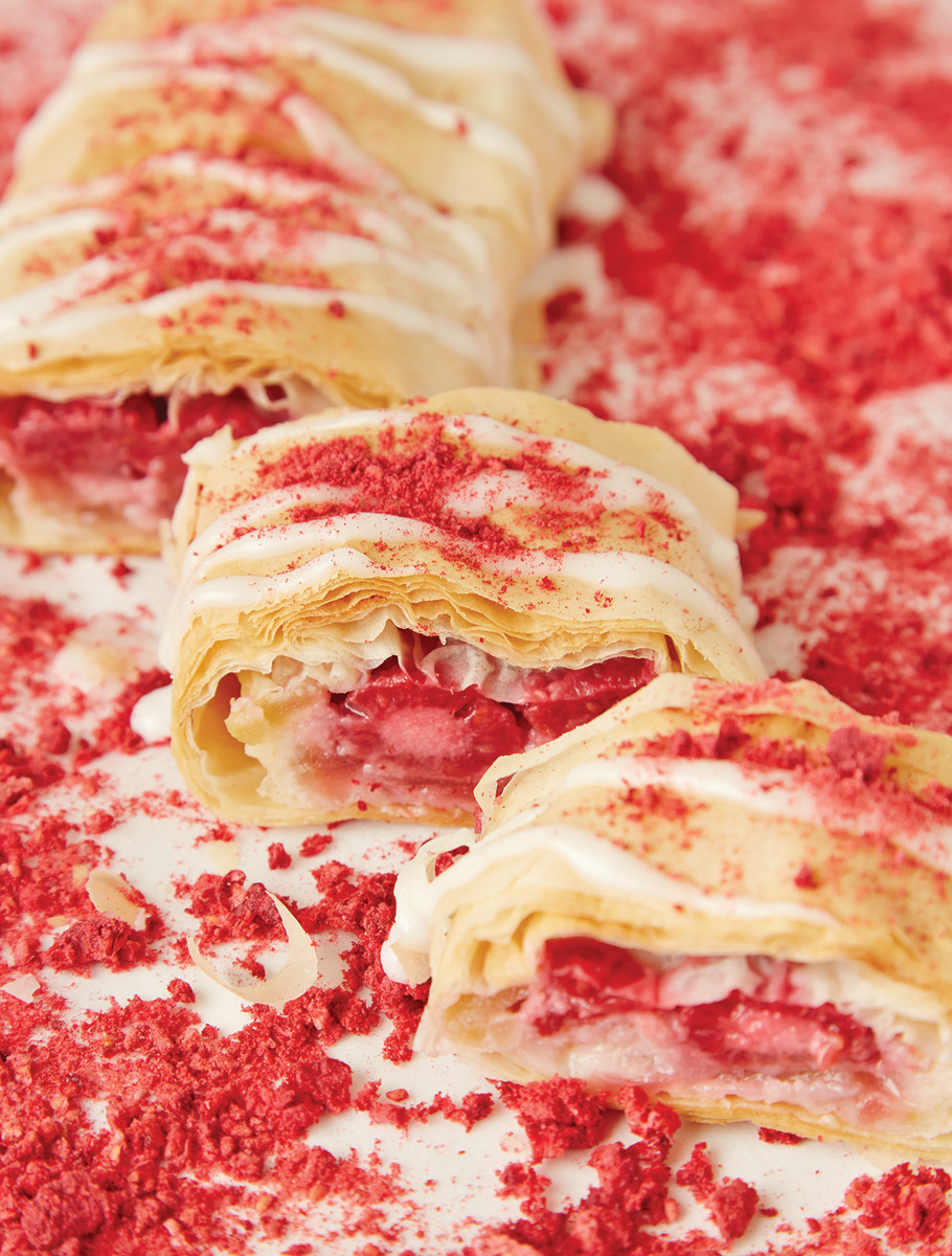 Apple Strawberry Rose Strudel 81