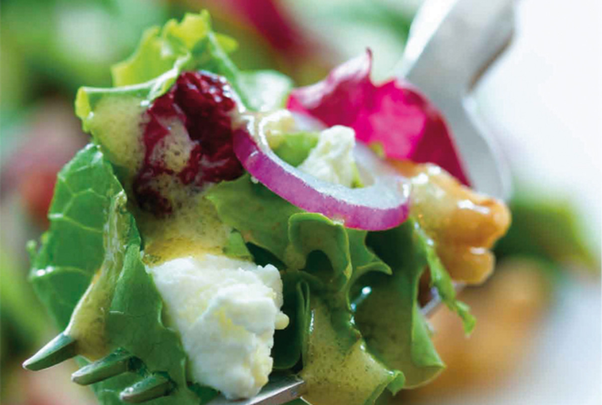 goat-cheese-walnut-salad