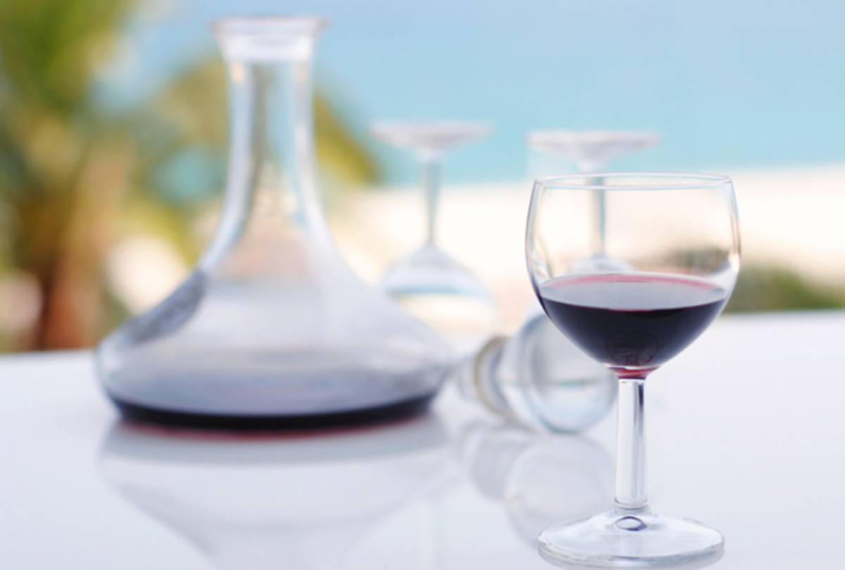wine-glass-and-decanter