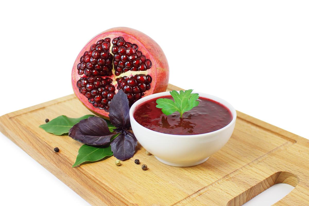 pomegranate molasses.jpg