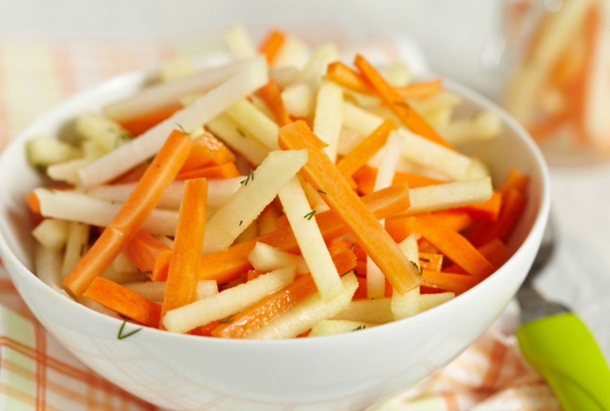 carrot and kohlrabi slaw