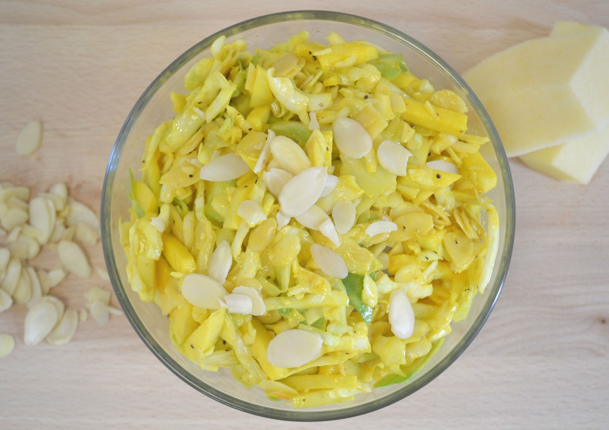 GOLDEN DELICIOUS COLESLAW