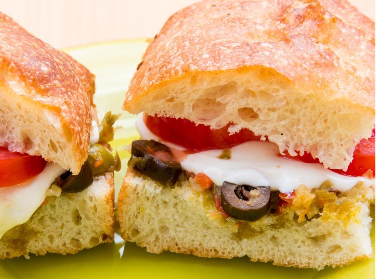JALAPEÑO POPPER SANDWICHES