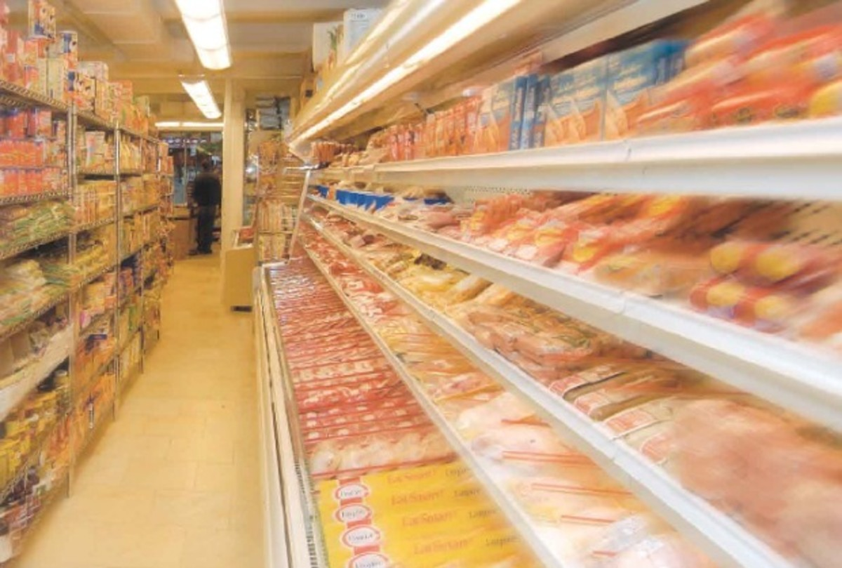 supermarket aisle finding foods in israel