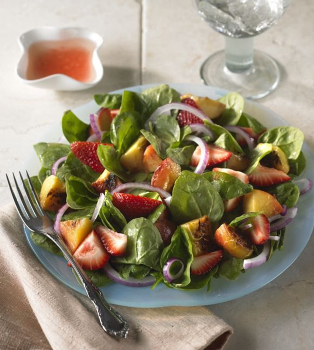 Spinach Salad with Grilled and Fresh Fruit