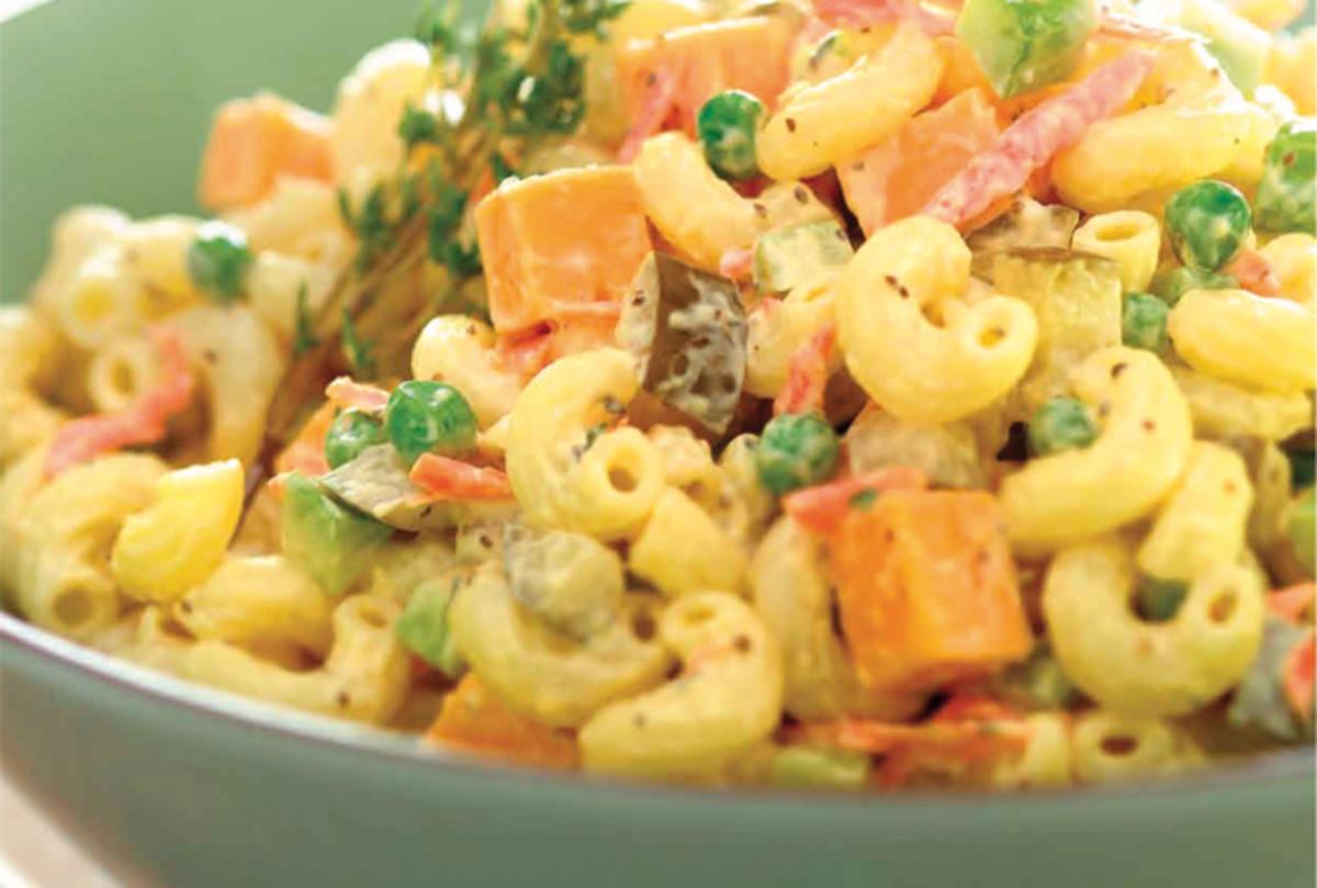 macaroni-cheddar-salad-296