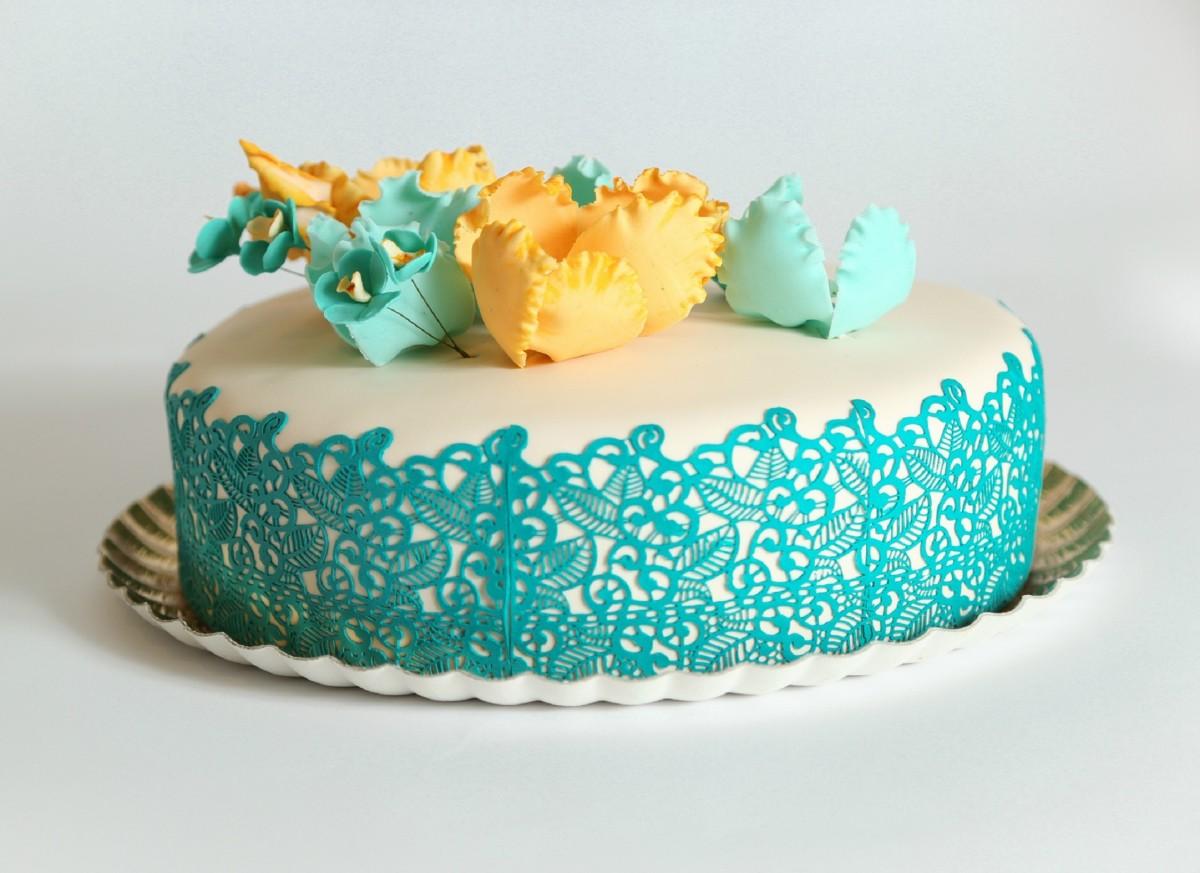 Cake by Sara Veffer