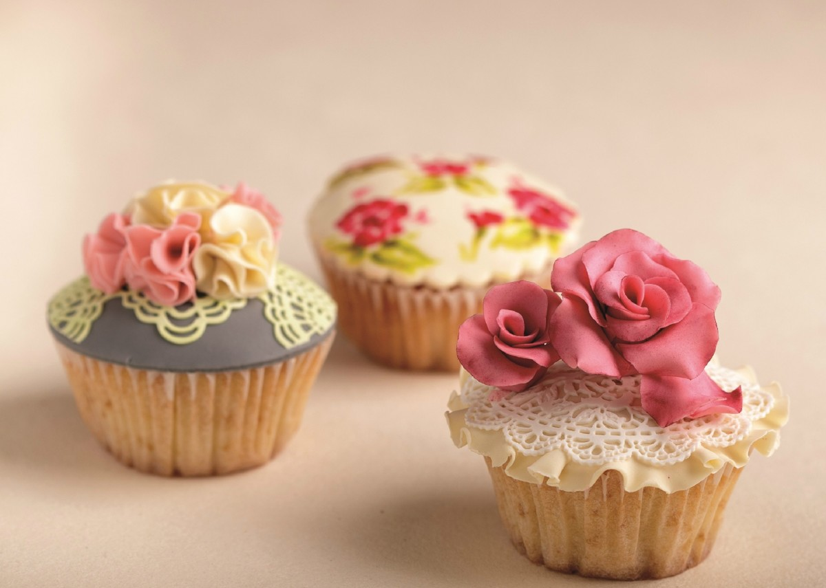 Cupcakes by Sara Veffer