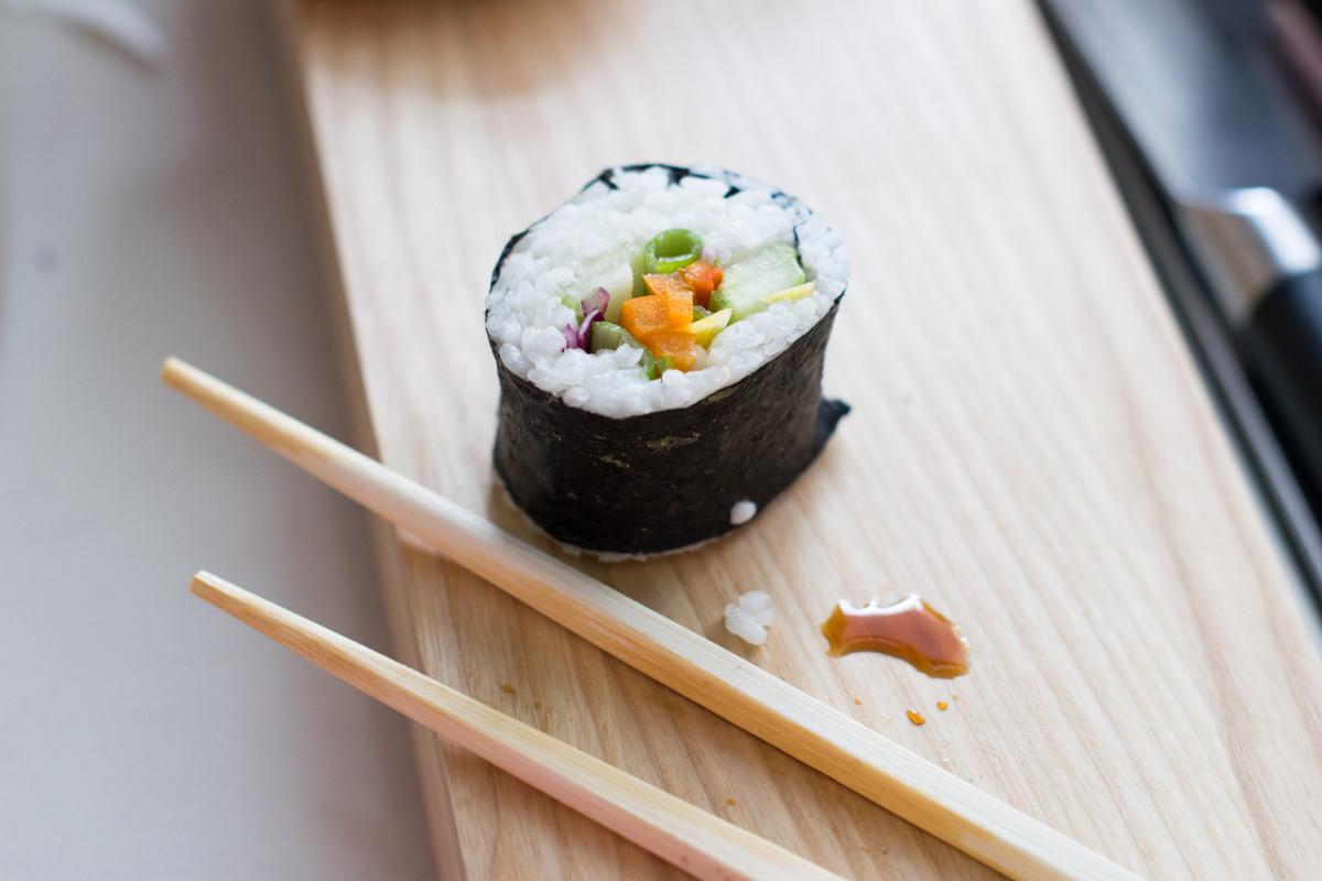 vegan sushi maki roll single