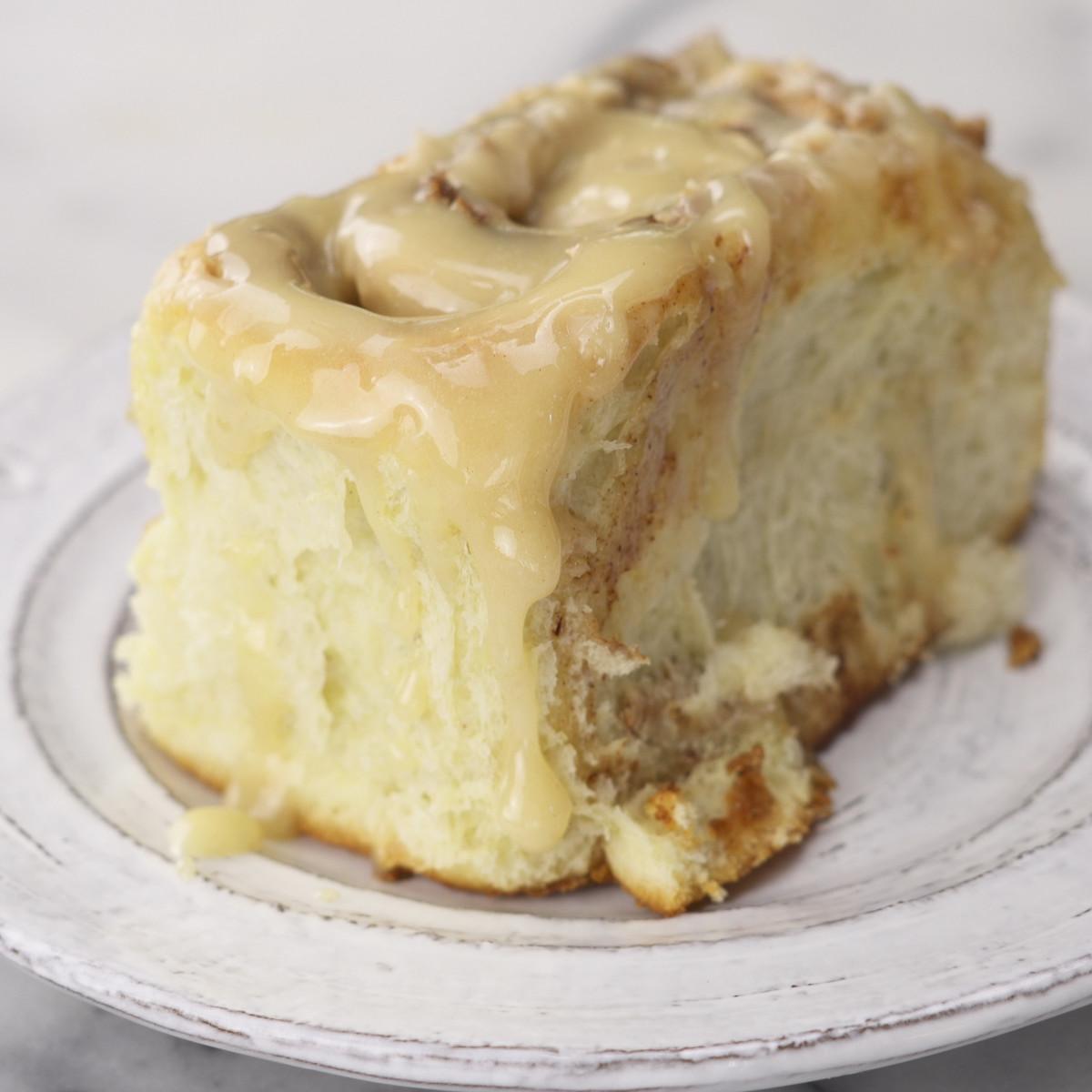 halva-buns-Side-still