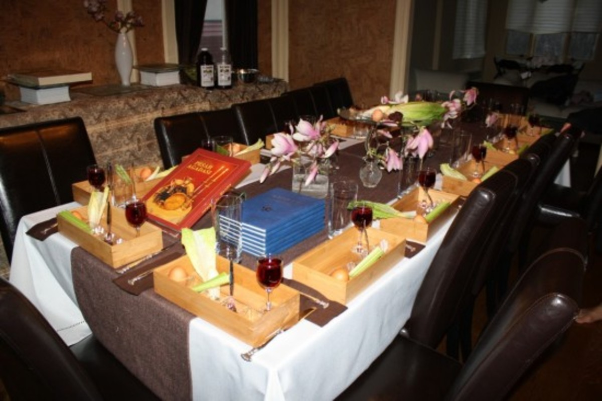 Seder table, seder plate, table scape,