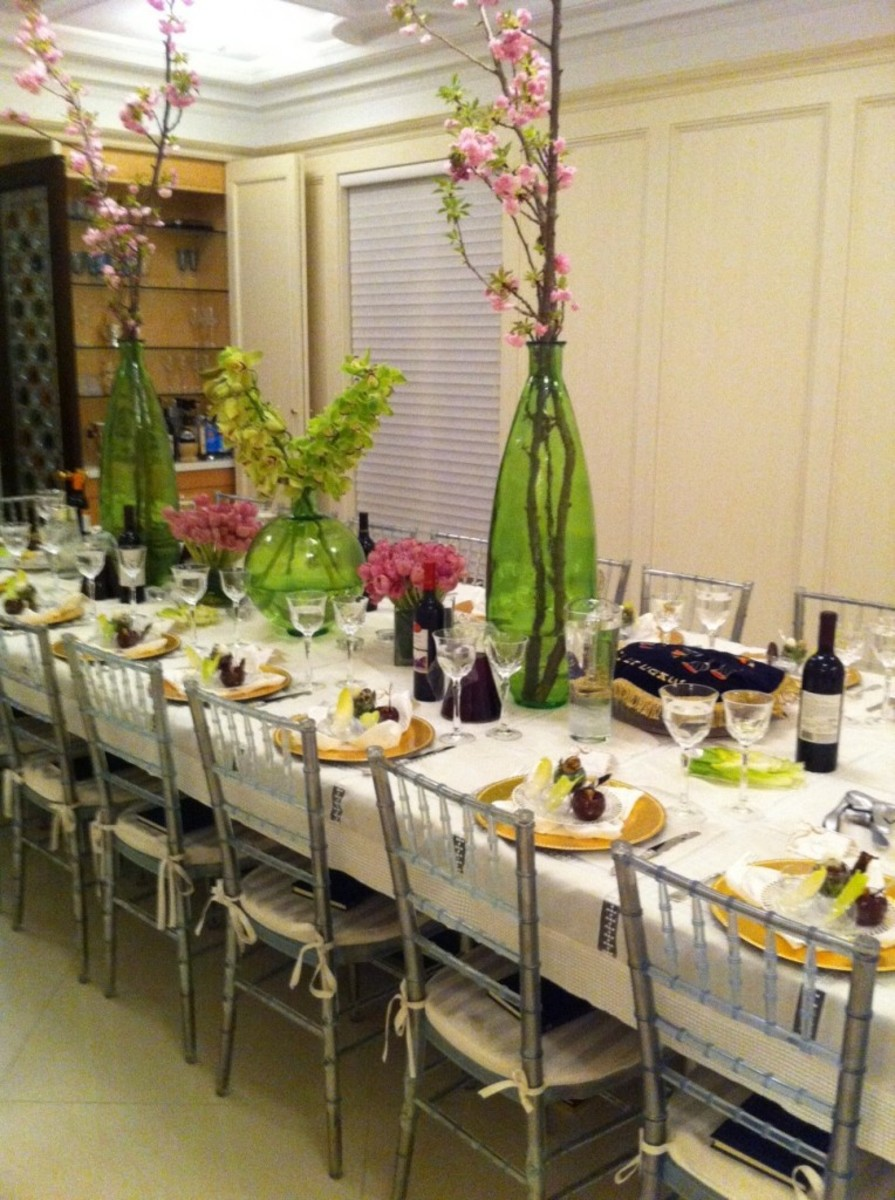 Seder table, passover seder table,