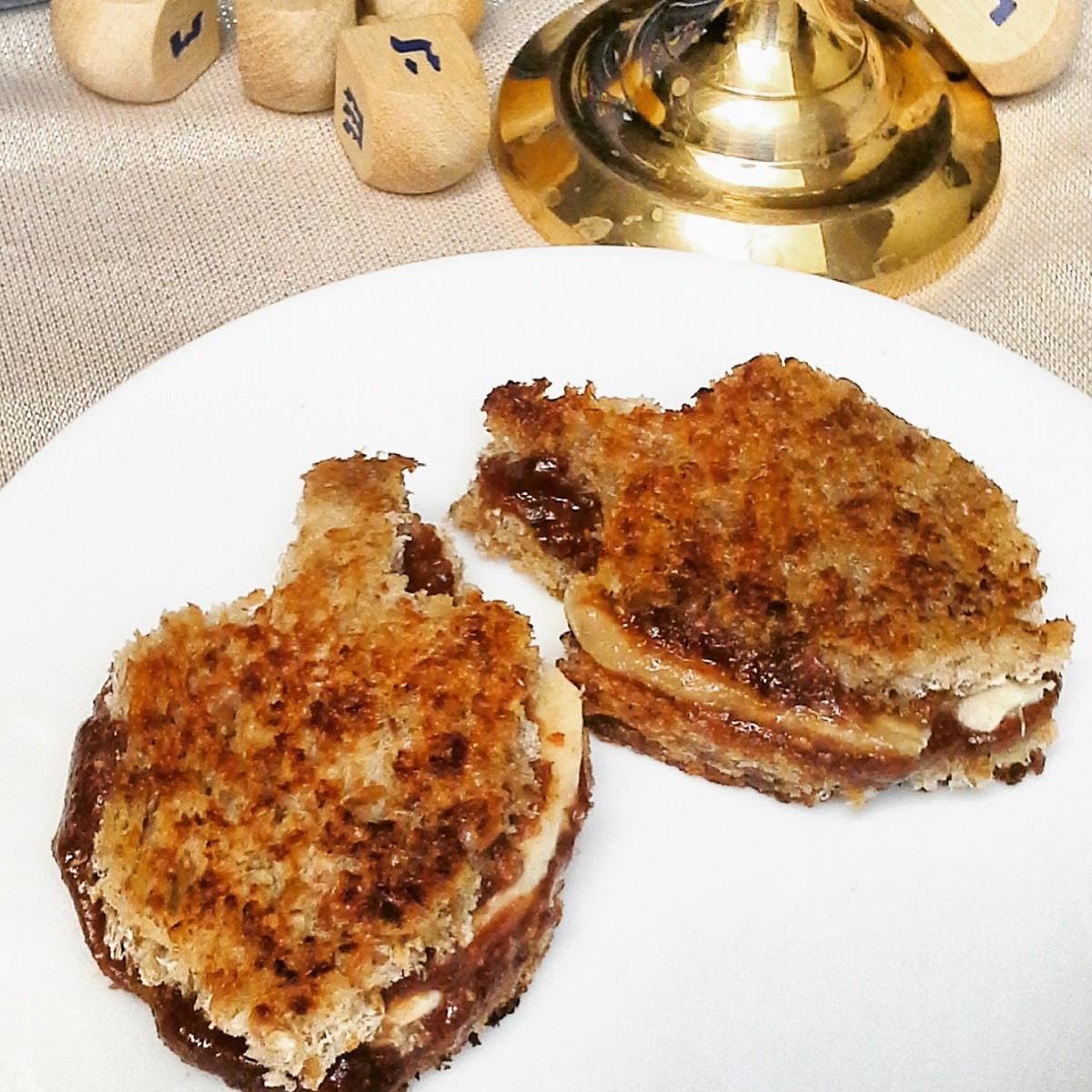 nutella dreidel sandwiches