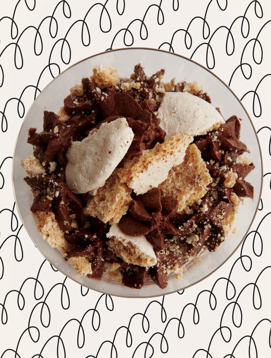 CHOCOLATE MOUSSE MERINGUE PARFAIT