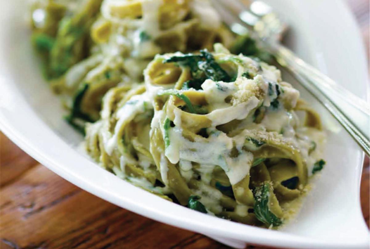 creamy-spinach-fettuccini