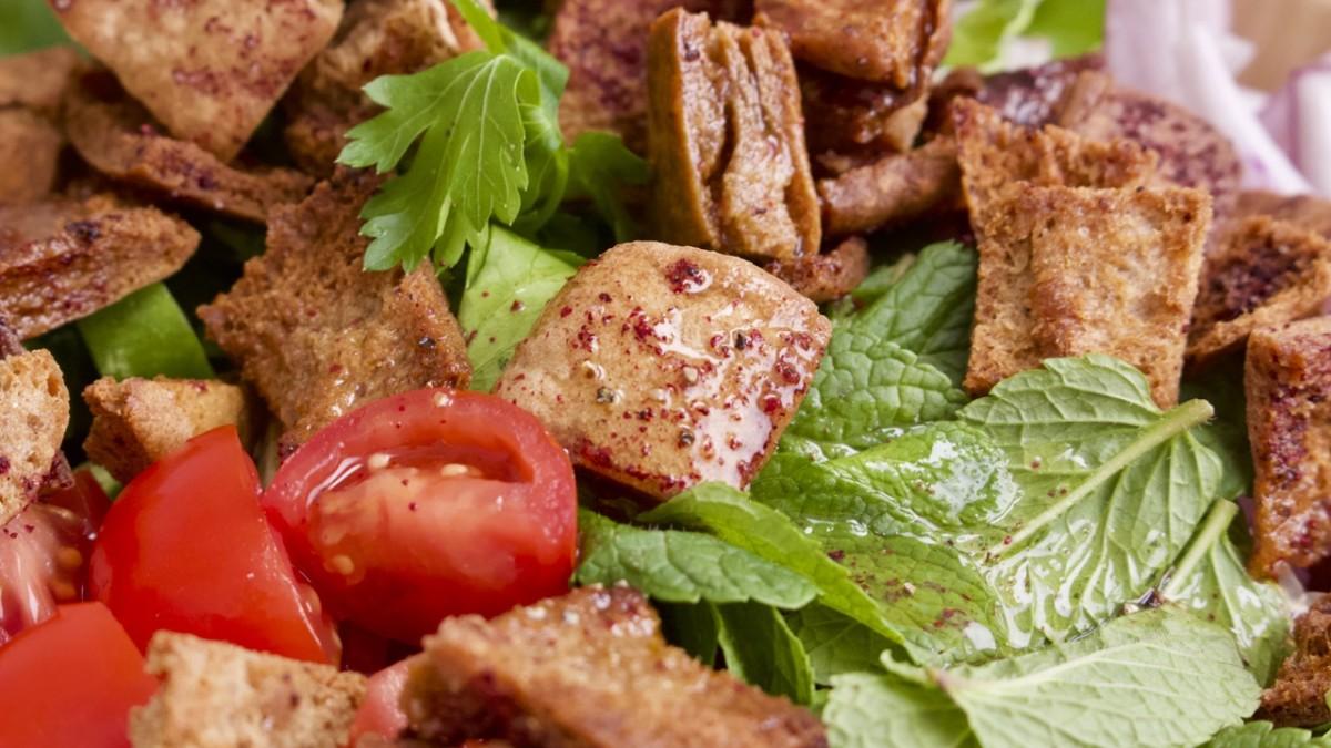 Crave-worthy Fattoush salad