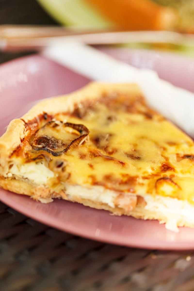 Smoked salmon baked omlette