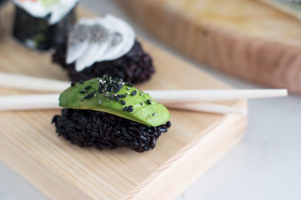 vegan sushi nigiri