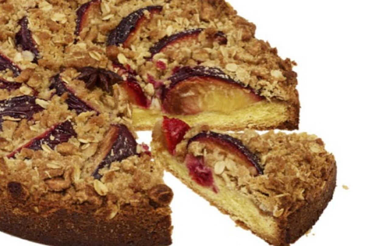 plum crumb cake wide
