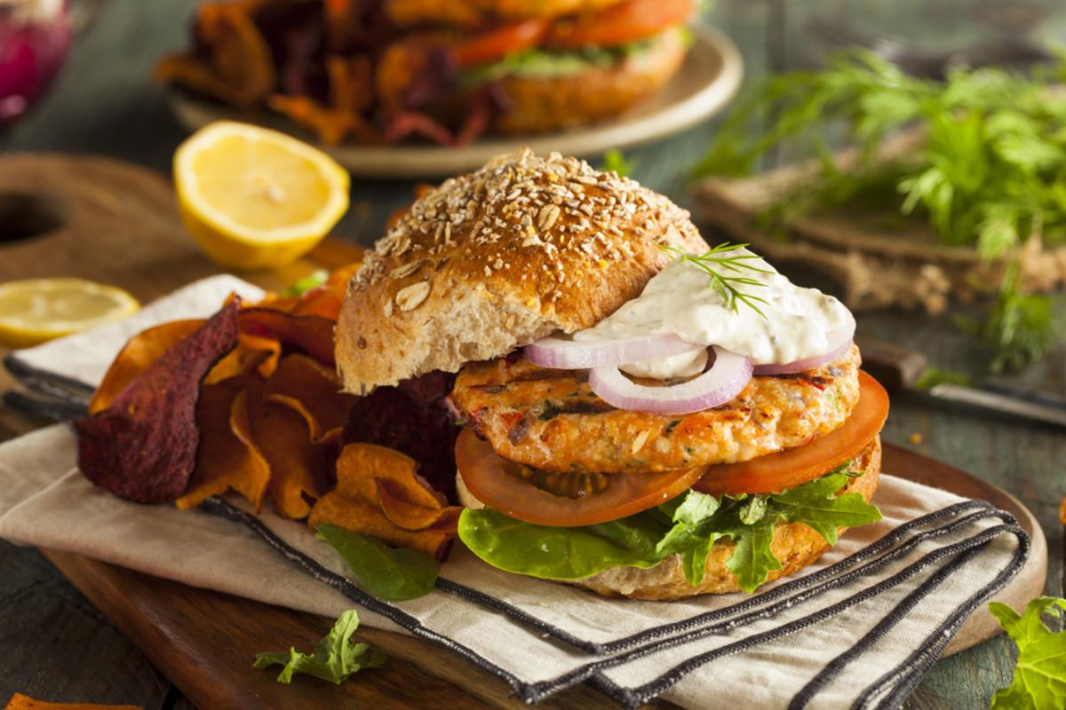 turkey burger with spicey tartar sauce