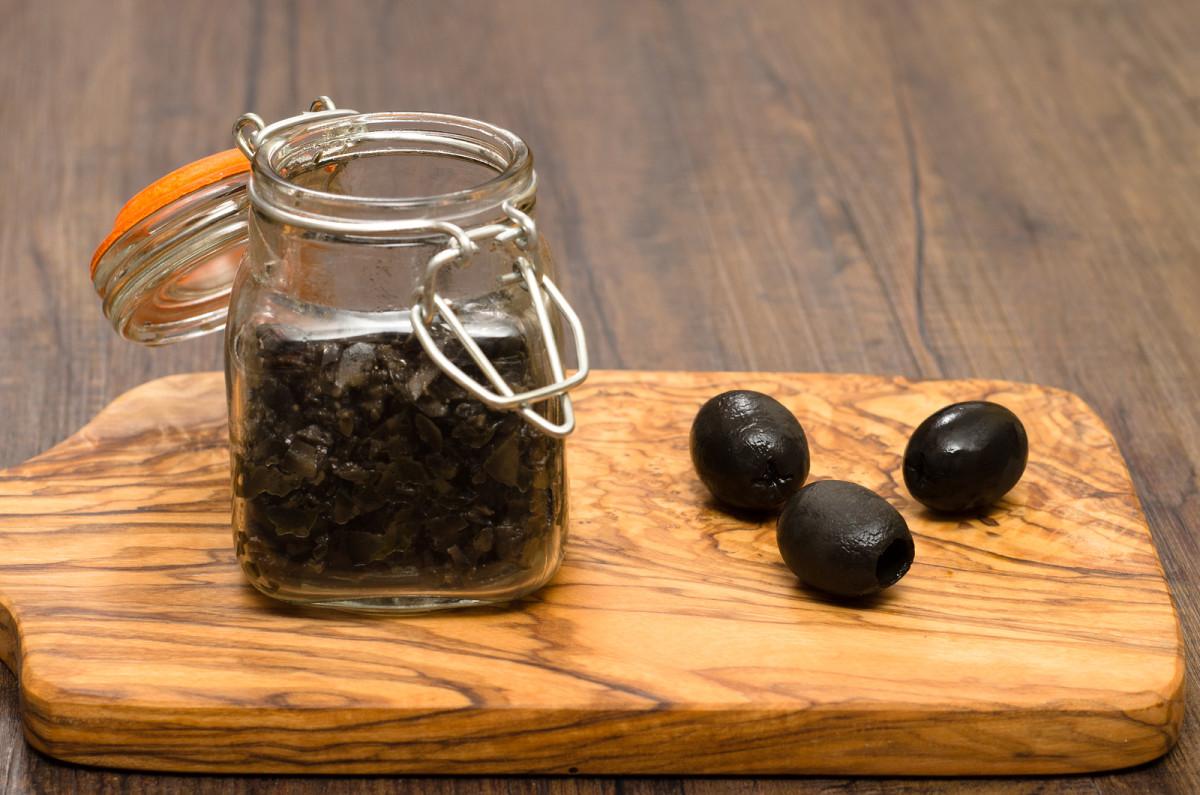 kalamata olive spread