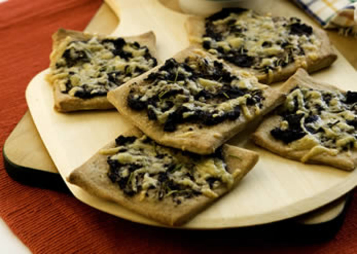 Tapenade Pizza Minis