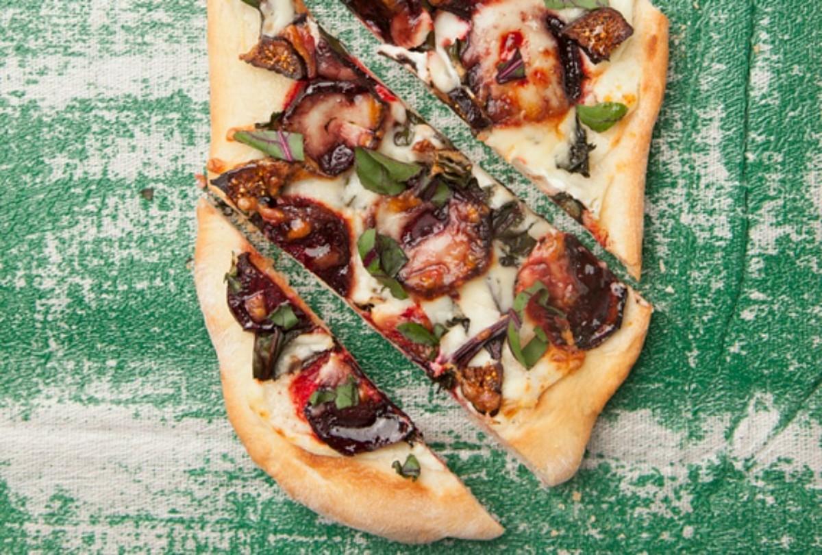 beet pepperoni pizza