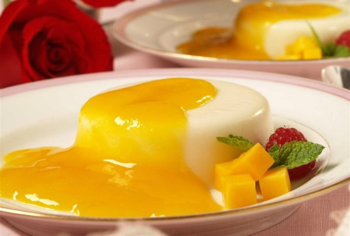 Buttermilk Panna Cotta with Mango Sauce