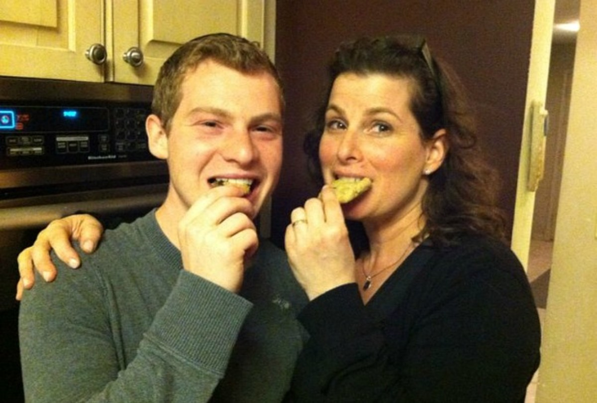 linda and her son mother's day cookies