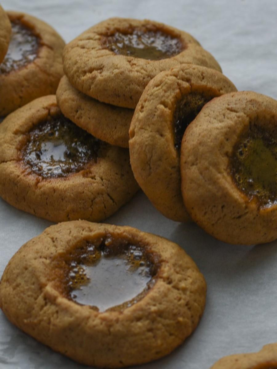 tahini thumbprint cookies with pomegrante_7