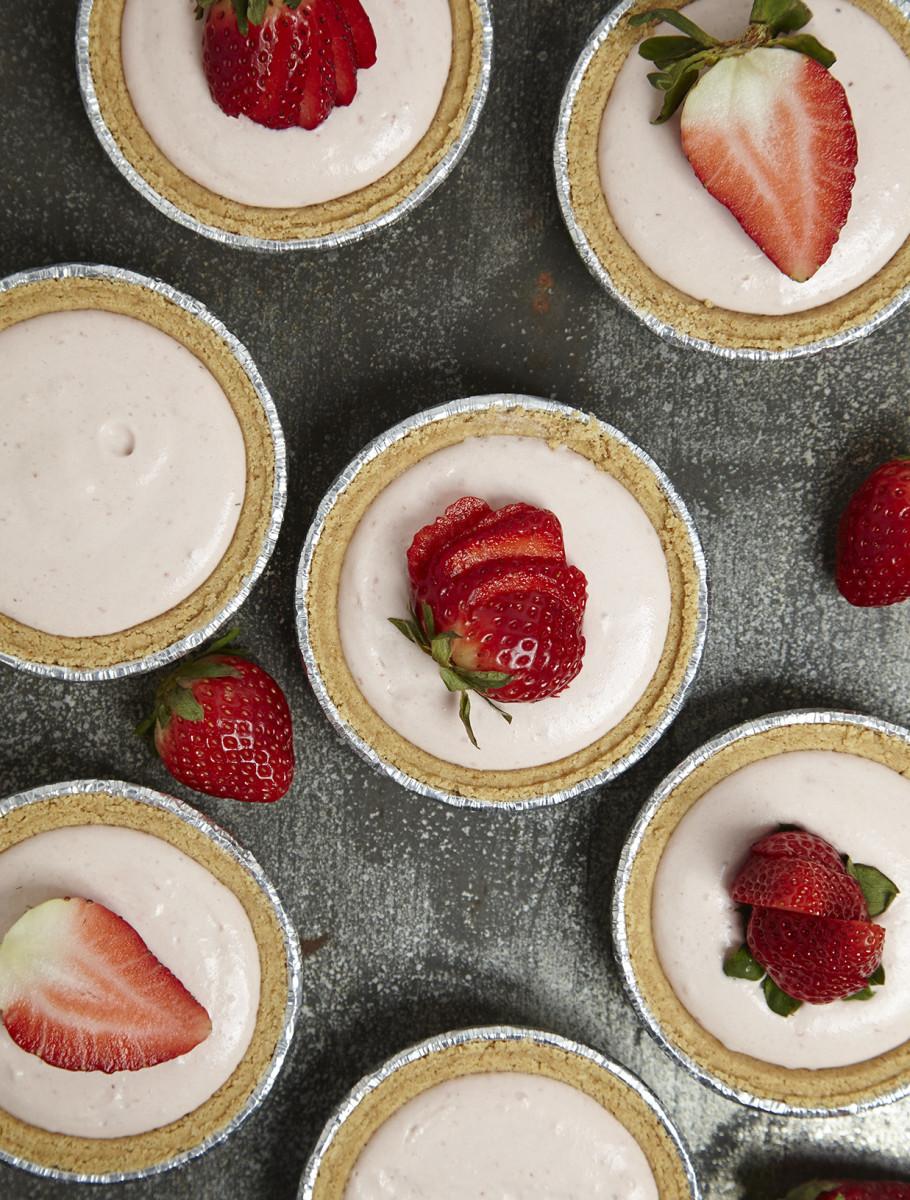 No-Bake Strawberry Cheesecake 82.jpg