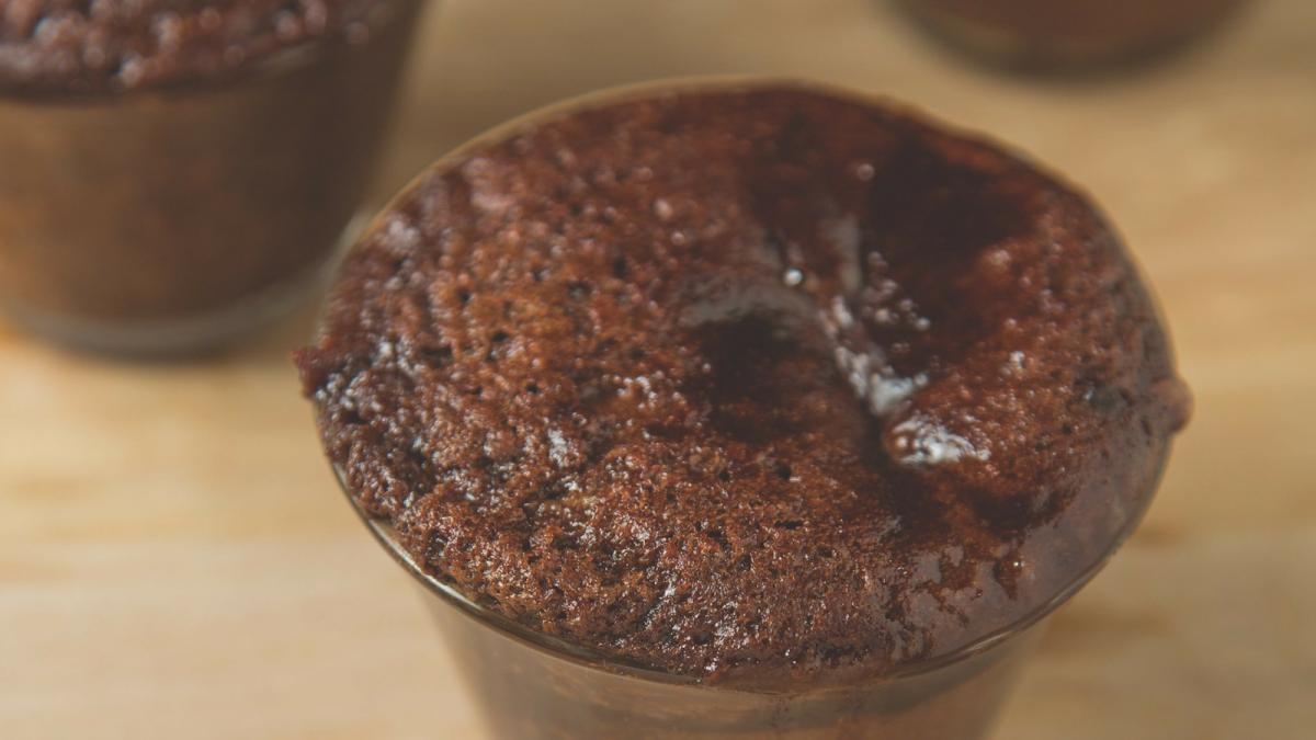 Caramel Hot chocolate Cake