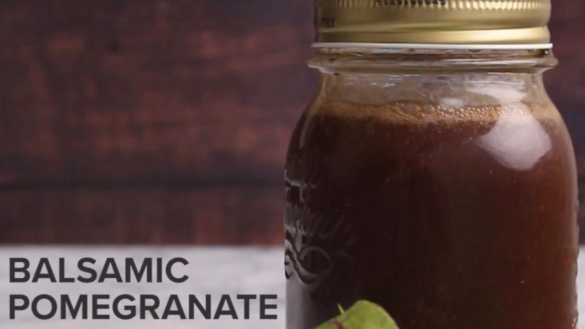 balsamic-pomegranate-salad-dressing