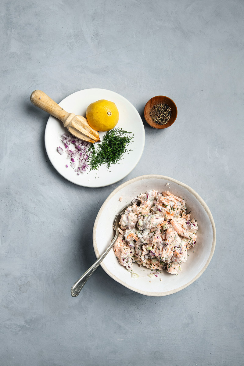 087 baked salmon salad