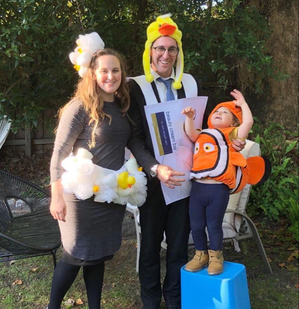 rub a dub family costume